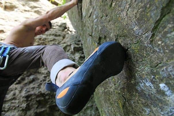 how to choose beginner climbing shoes