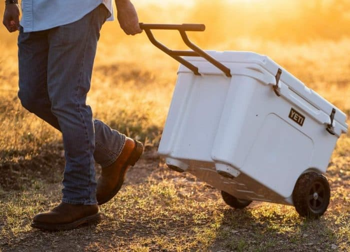 wheeled cooler buying guide e1562326767937